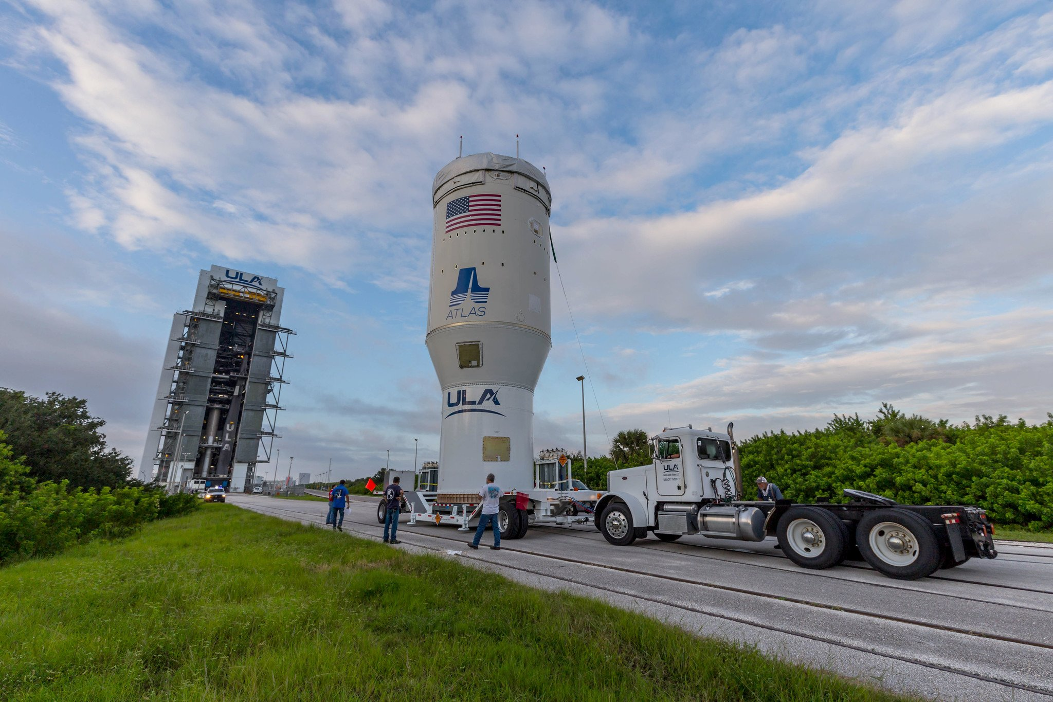 Centaur arrives at the VIF. Photo by United Launch Alliance