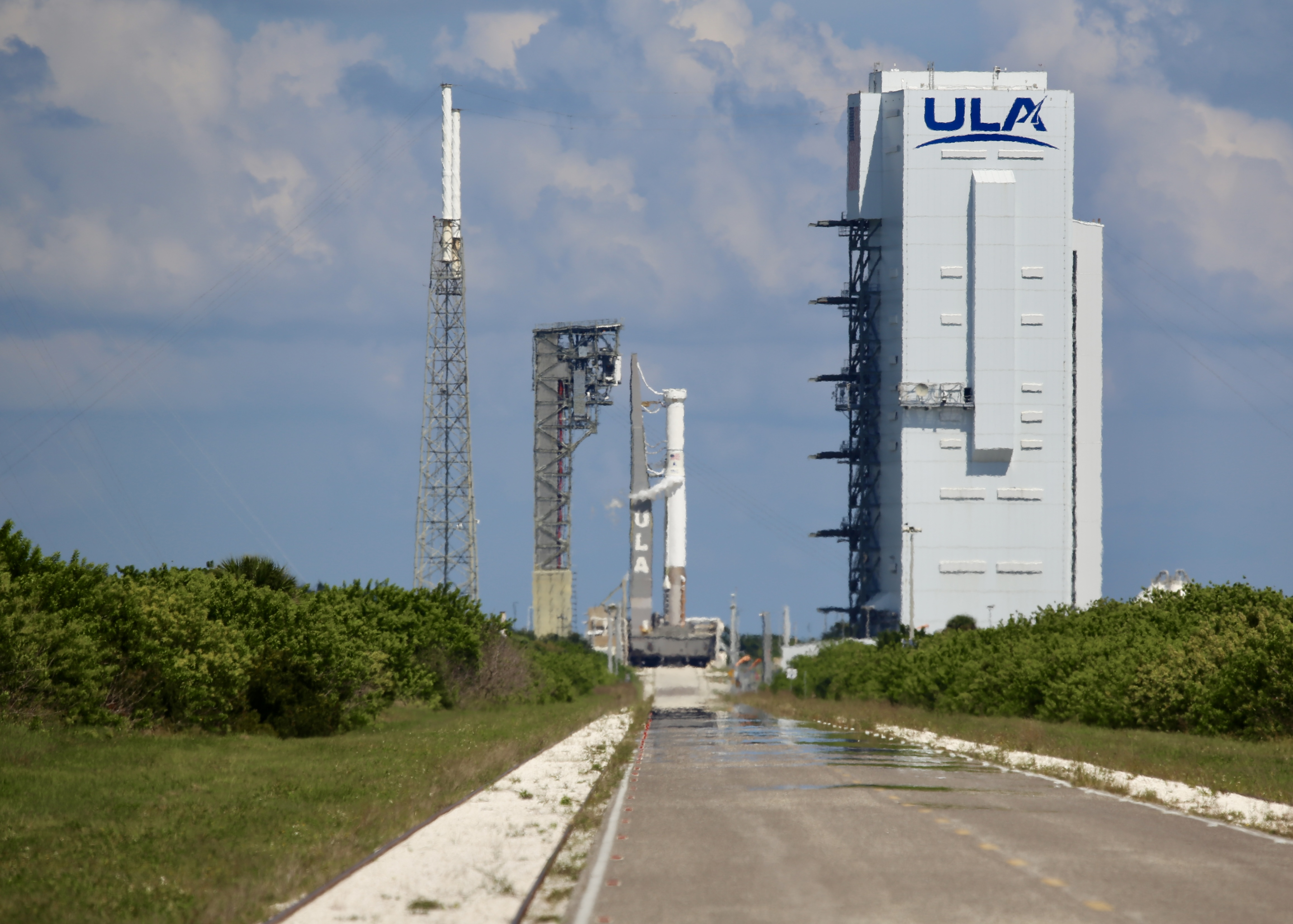 The successful WDR clears the way for the Lucy  spacecraft to be hoisted atop the Atlas V in the VIF. Photo by United Launch Alliance