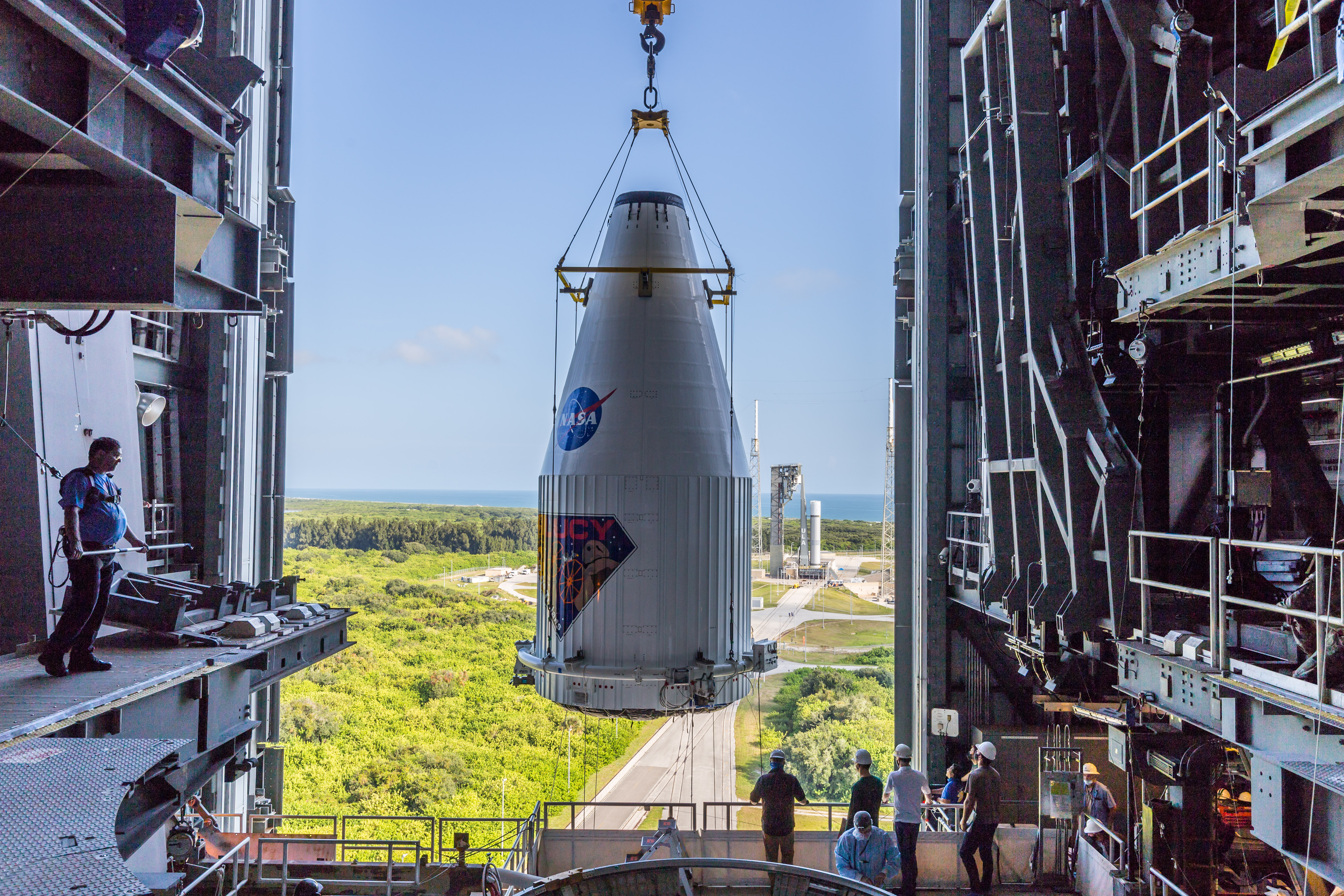 Lucy arrives in the VIF as the Vulcan pathfinder stands atop SLC-41. Photo by United Launch Alliance